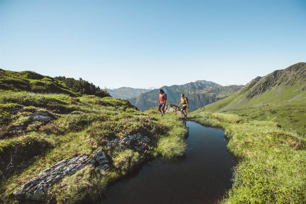 Wandern _ Hiking in Saalbach Hinterglemm 1200x800-1